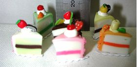 1:6 Cake Wedge (Price Each) (12mmL x 16mmH)