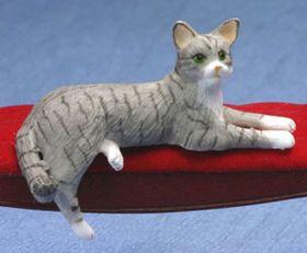 "Cat Laying Grey (1""H x 2""W x 1""D)"