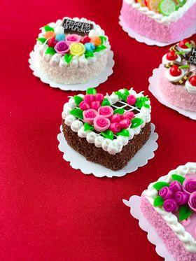 Cakes (Price Each) (32mm Diam/Sqr 18mmH)