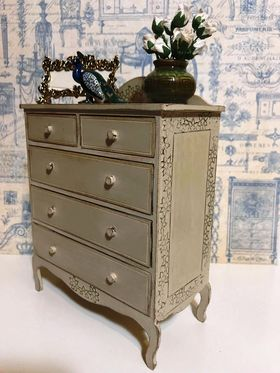 1:6 Chest of Drawers Note Supplied Raw