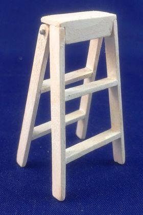 Step Ladder by Petite Romantique (55mmH)