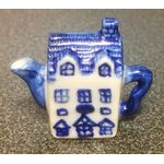 1:6 Teapot Blue and White (33W x 28H x19Dmm)