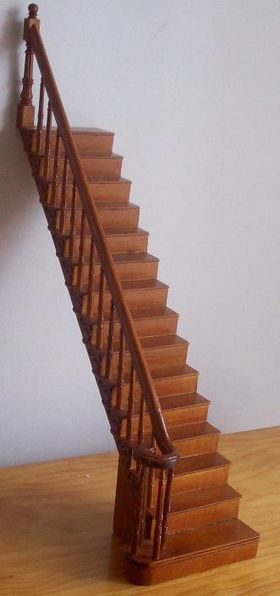 Complete Fancy Staircase Left  Straight (252mm)